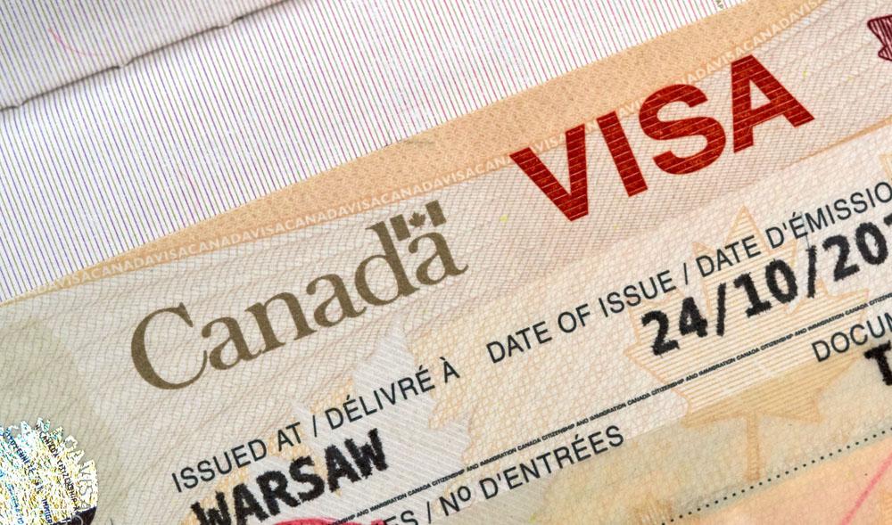 [Update Visa Canada 2021] - Xin Super Visa khác với Visa du lịch thế nào?